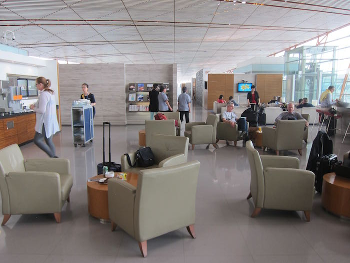 Cathay-Pacific-Dragonair-Lounge-Beijing-18