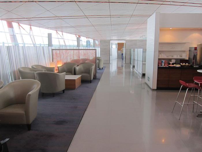Cathay-Pacific-Dragonair-Lounge-Beijing-20