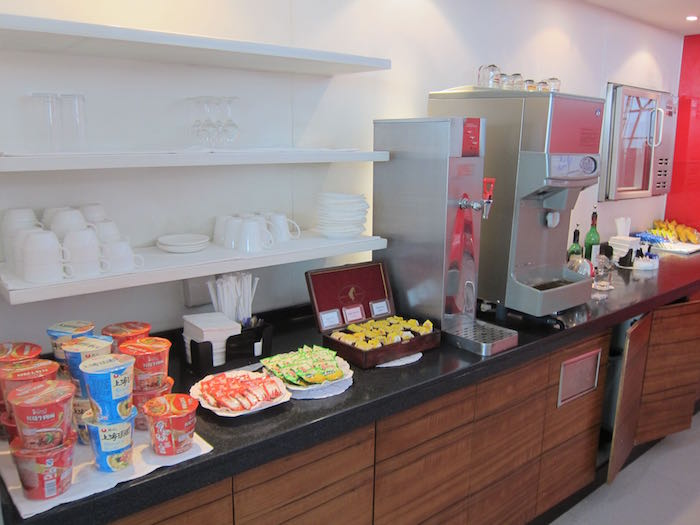Cathay-Pacific-Dragonair-Lounge-Beijing-30