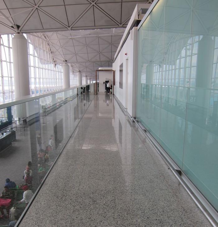 Qantas-Lounge-Hong-Kong-05