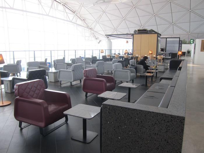 Qantas-Lounge-Hong-Kong-24