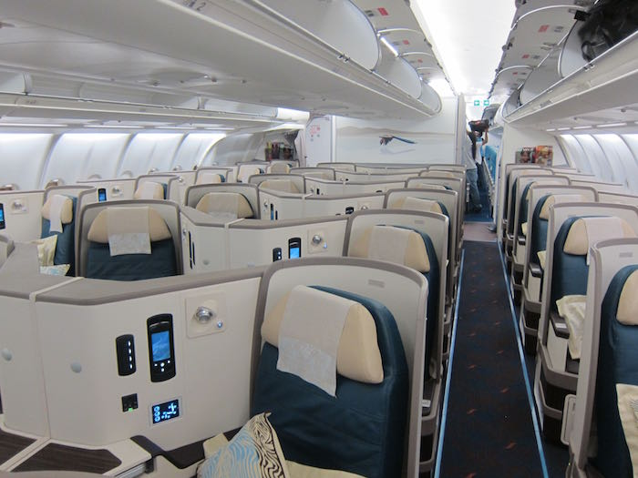 Srilankan Airlines A330 Business Class 01