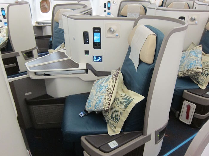 Srilankan airlines a330 business class 09 one mile at a time - Srilankan airlines office ...