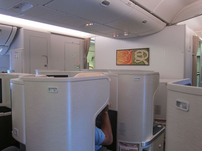 Cathay-Pacific-777-Business-Class-24