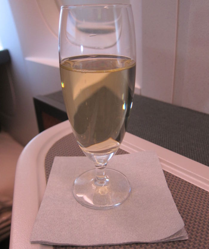 Cathay-Pacific-777-Business-Class-26