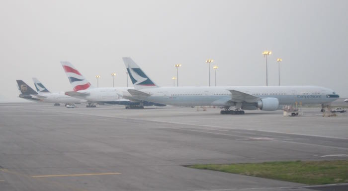 Cathay-Pacific-777-Business-Class-35