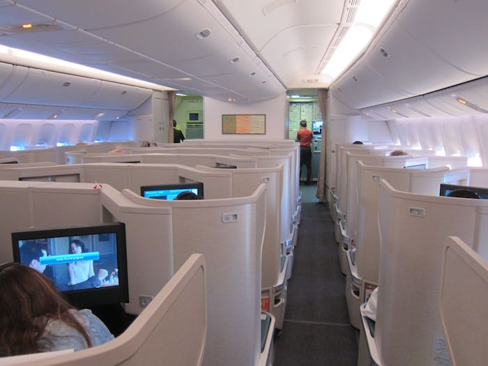 Cathay-Pacific-777-Business-Class-44