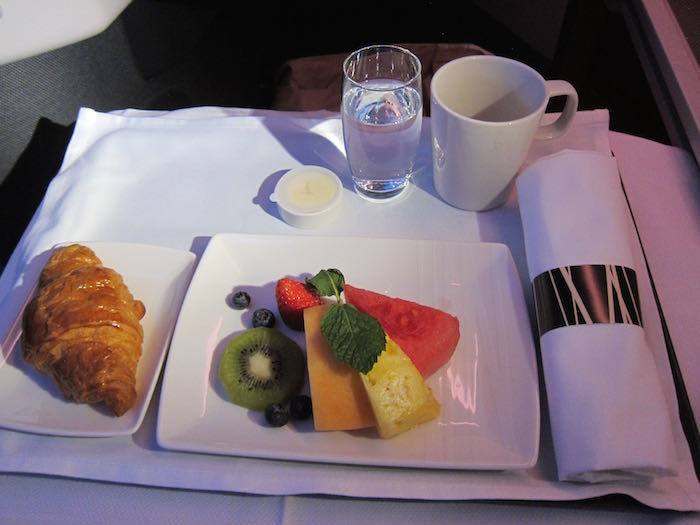 Cathay-Pacific-777-Business-Class-80