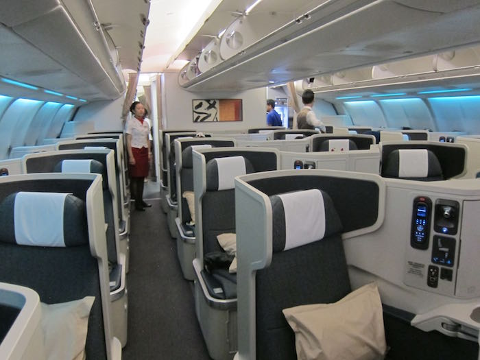 Cathay-Pacific-Business-Class-A330-01