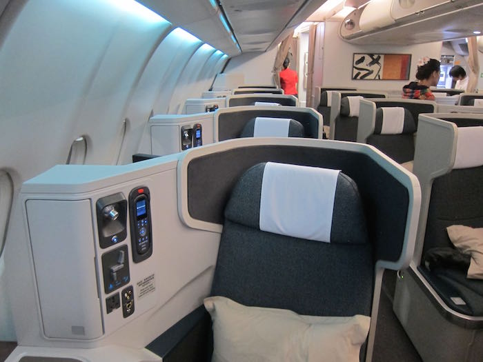 Cathay-Pacific-Business-Class-A330-02