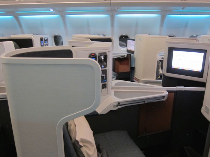 Cathay-Pacific-Business-Class-A330-06
