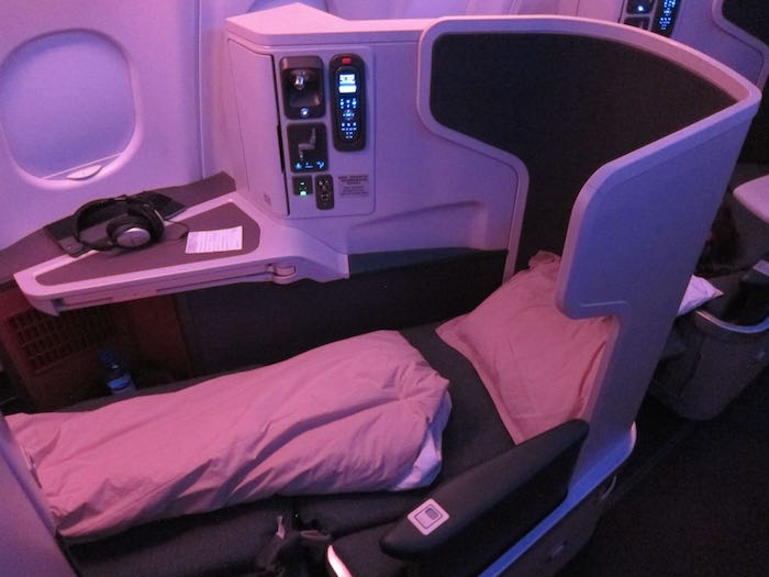 Review Cathay Pacific Business Class A330 300 Male To