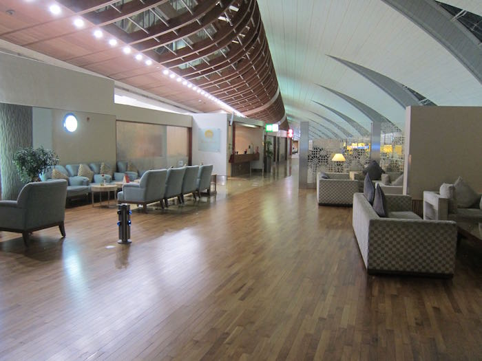 Emirates-First-Lounge-Dubai-11