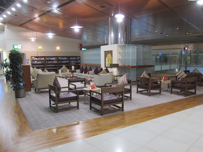 Emirates-First-Lounge-Dubai-24