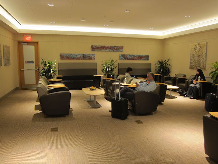 Emirates-Lounge-Dallas-Airport-15