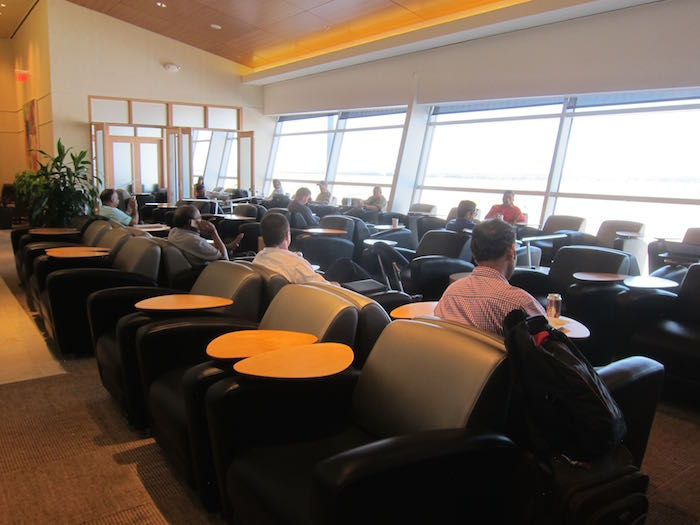 Emirates-Lounge-Dallas-Airport-20