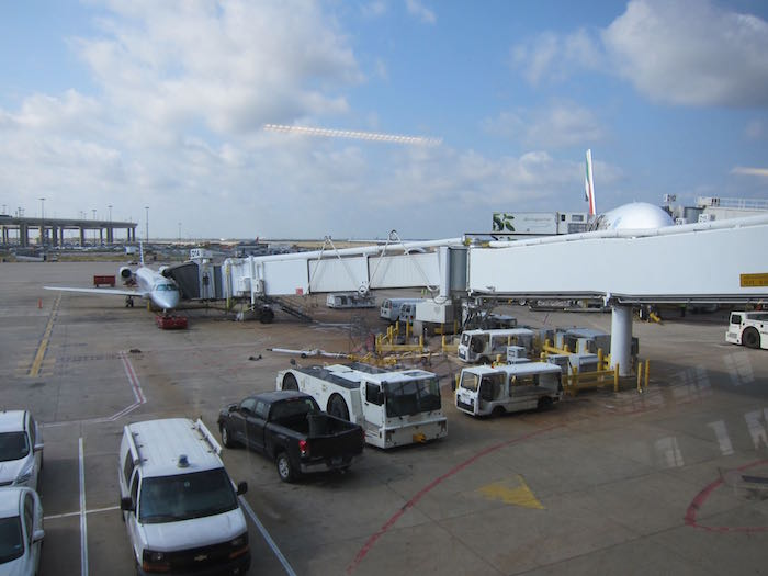 Emirates-Lounge-Dallas-Airport-34