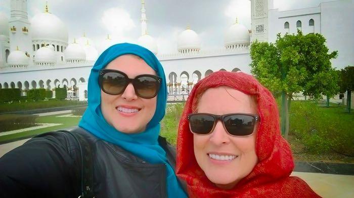 Visit-Abu-Dhabi-Mosque-12