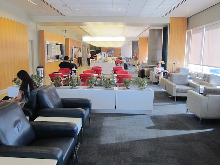 Air-Canada-Lounge-LAX - 13