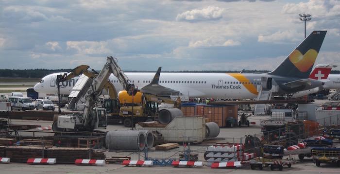 Lufthansa-First-Class-747 - 24