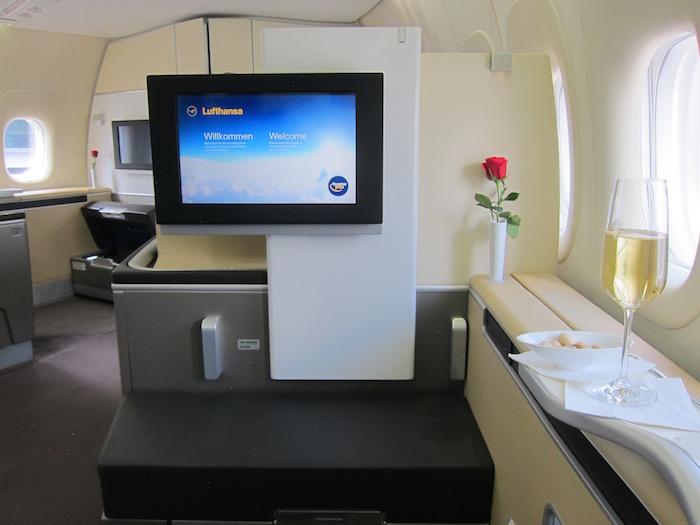 Lufthansa-First-Class-747 - 7