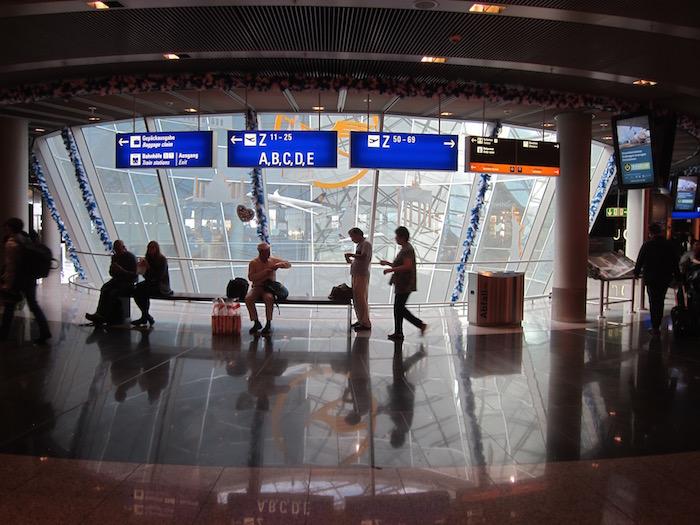 Lufthansa First Class Lounge Frankfurt – 39