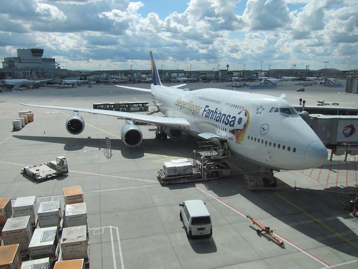 Lufthansa First Class Lounge Frankfurt – 43