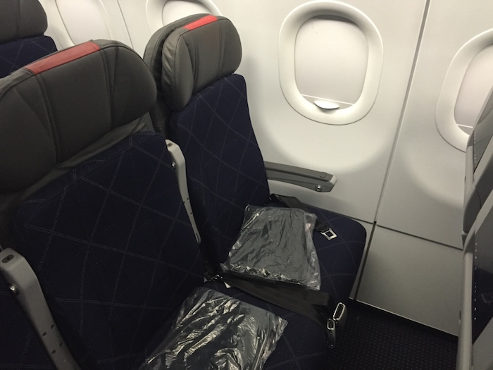 Review American Economy Class A321 Los Angeles To New York One