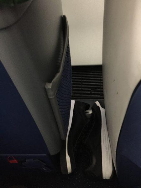 Delta One seat 4A storage