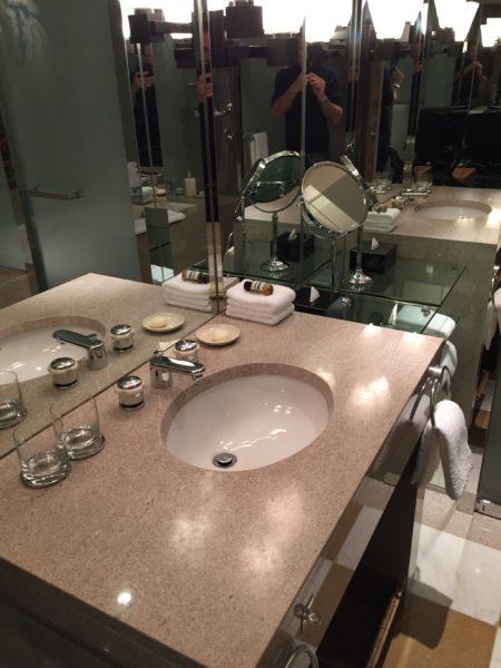 Park Hyatt Tokyo Park Twin bathroom sink