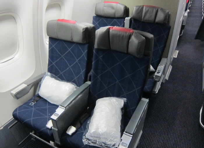 American-767-Business-Class - 7