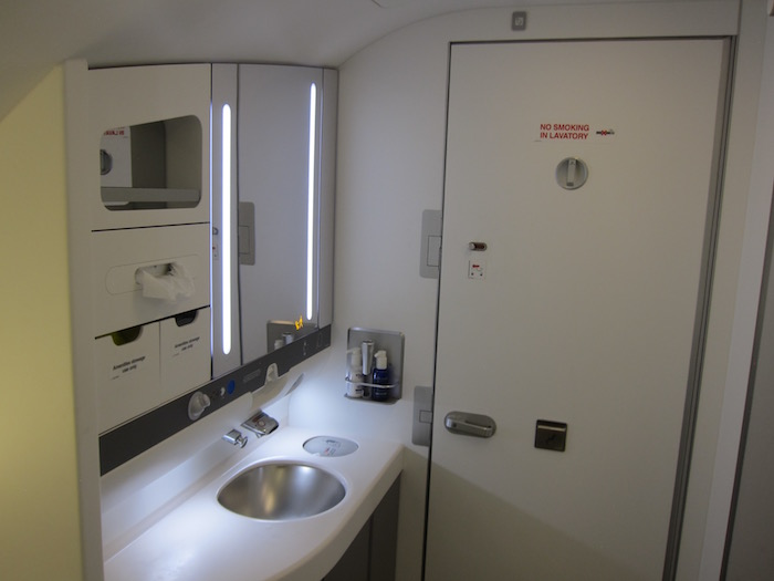 British-Airways-A380-Business-Class - 19