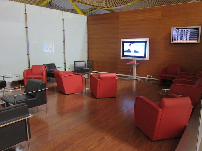 Iberia-Business-Lounge-Madrid - 20