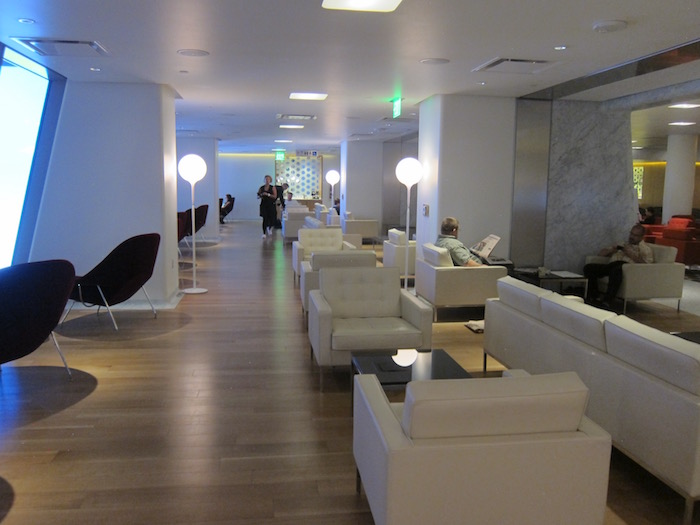 Qantas-Lounge-LAX - 15