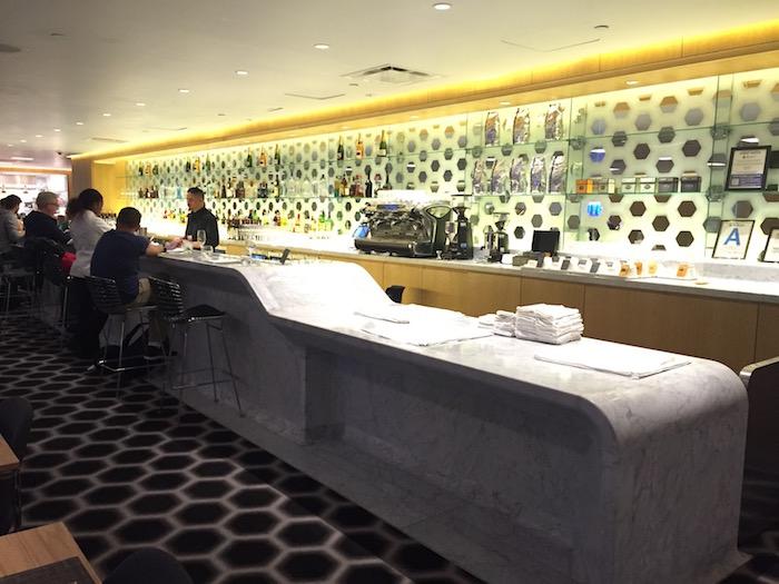 Qantas-Lounge-LAX - 20