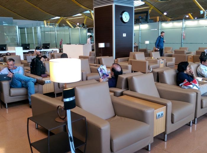 Review Sala Vip Amnios Lounge Madrid One Mile At A Time