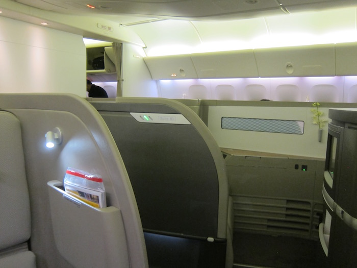Cathay-Pacific-First-Class-777 - 3