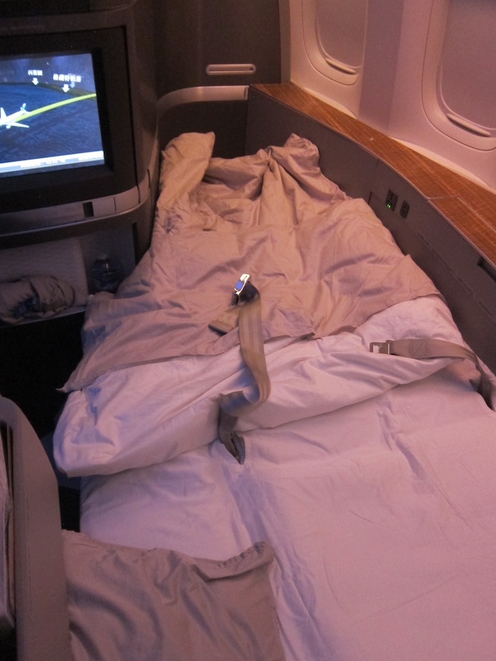 Cathay-Pacific-First-Class-777 - 39
