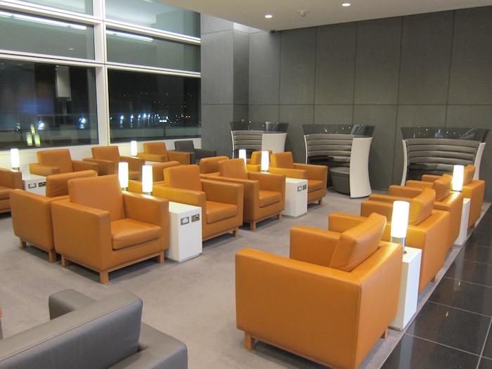 Cathay-Pacific-Lounge-San-Francisco - 10
