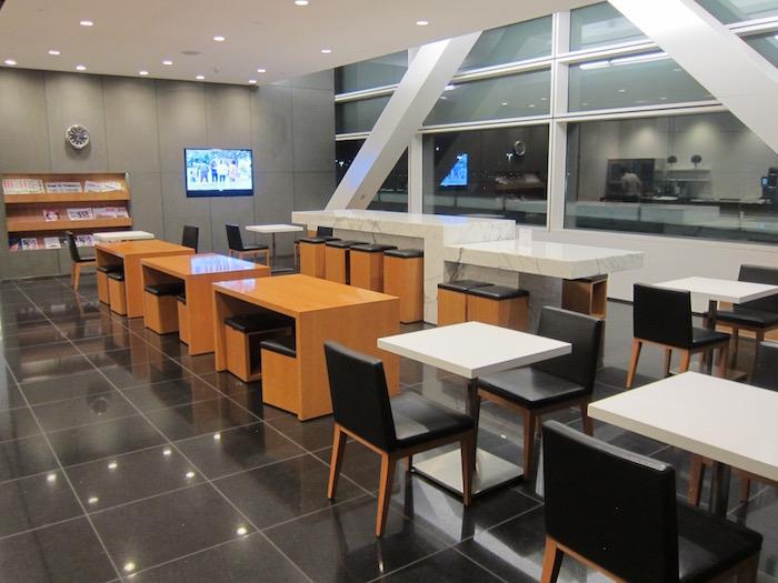 Cathay-Pacific-Lounge-San-Francisco - 12