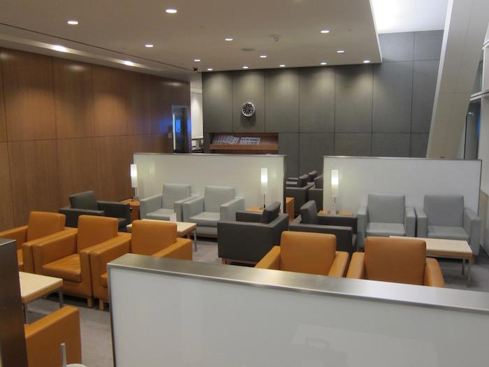 Cathay-Pacific-Lounge-San-Francisco - 15