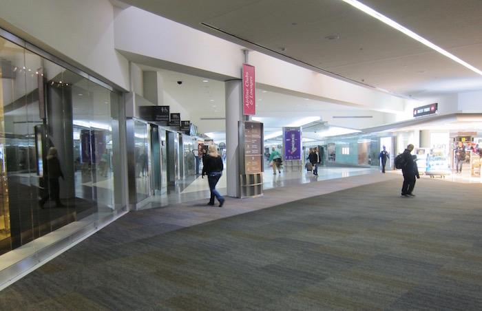 Cathay-Pacific-Lounge-San-Francisco - 3