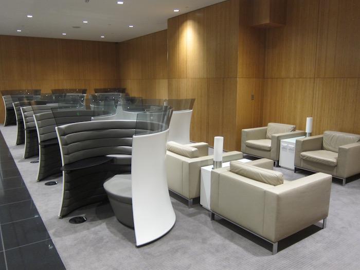 Cathay-Pacific-Lounge-San-Francisco - 46