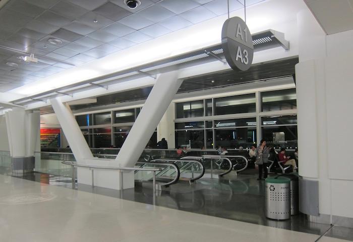 Cathay-Pacific-Lounge-San-Francisco - 52