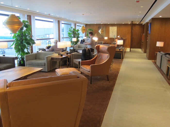 Cathay-Pacific-The-Pier-Lounge - 17