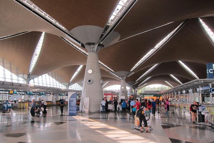 Malaysia-Airlines-Lounge-Kuala-Lumpur - 2