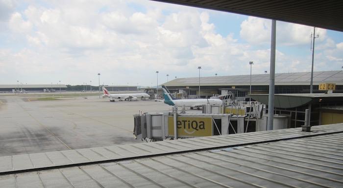 Malaysia-Airlines-Lounge-Kuala-Lumpur - 23