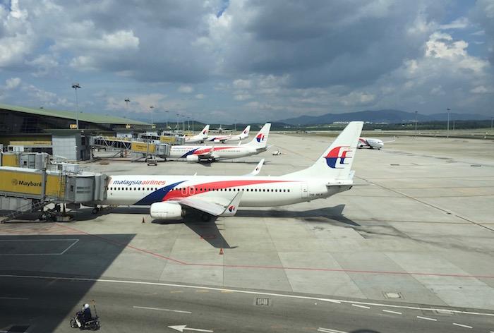 Malaysia-Airlines-Lounge-Kuala-Lumpur - 36