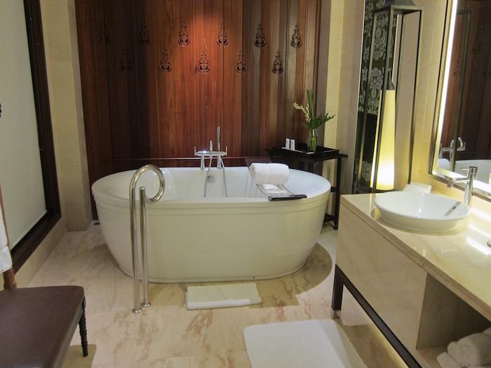 St-Regis-Bali-Pool-Suite - 21