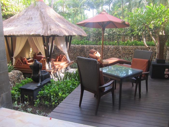 St-Regis-Bali-Pool-Suite - 32